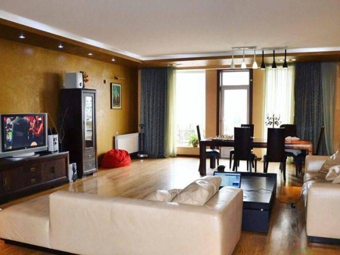 آپارتمان لوکس و بزرگ ۲۵۰ متری